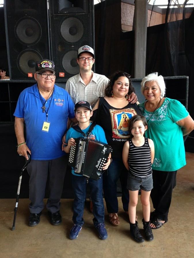 Garcia-Linn Family w Olguins